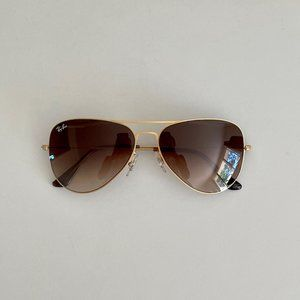 Ray-Ban Aviator Sunglasses - Gold